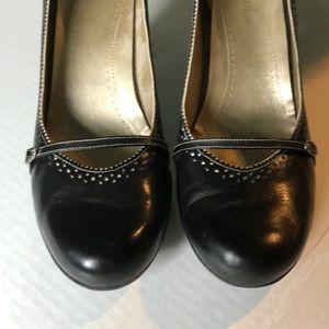 Naturalized black shoe